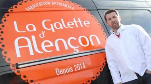 Jean-Yves Pierre, le directeur. À sa vitesse de croisière, l'entreprise produira jusqu'à 50 000 crêpes et galettes par semaine.